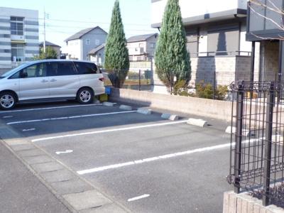 【駐車場】サンモール城ノ内B棟