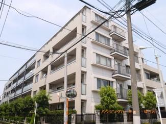 閑静な住宅街「千川」駅に建つ、ペット飼育も可能な投資用物件です。