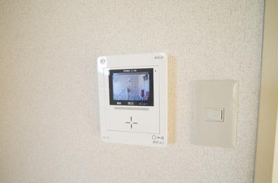 防犯面も重視した録画機能付のカラーテレビモニタホン。