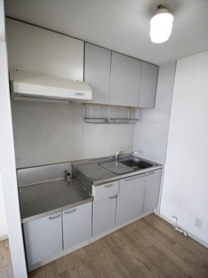 ※現況優先 コンパクトなキッチンで掃除もラクラク