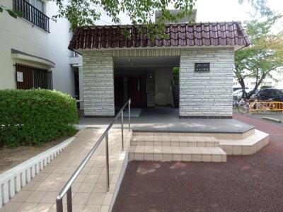 【エントランス】グリーンタウン茨木3番館