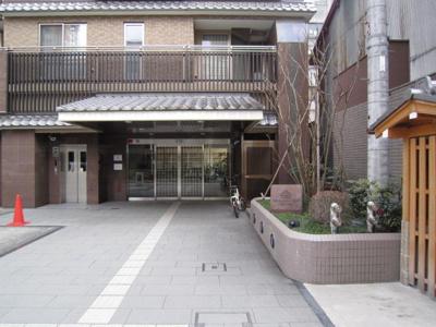 【エントランス】アパガーデンコート烏丸六角