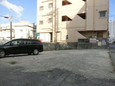 【駐車場】ラフィーネ天久Ⅱ