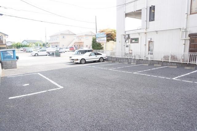 【駐車場】シャルム服部