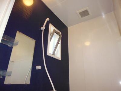 【浴室】アンソレイエC
