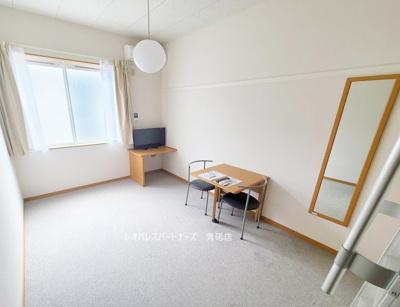 参考写真:同物件別室です。 1階はフローリング、2階以上はカーペットタイプとなります。