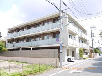 2路線利用可能な「千川」駅より徒歩6分。ハイグレード仕様のマンションです。