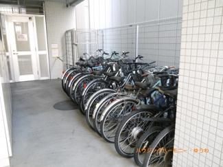 建物内に、駐輪場有ります。