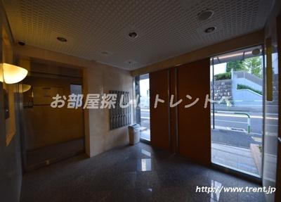 【エントランス】ロアール文京江戸川橋