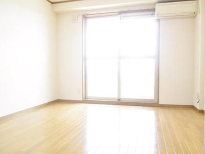 【洋室】クリスタルマンション