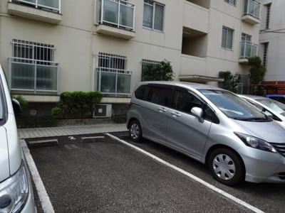 【駐車場】岡町北マンション