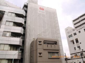 RC造のしっかりした建物です。大規模修繕中です。