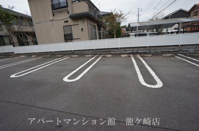 【駐車場】ファインレジデンスA