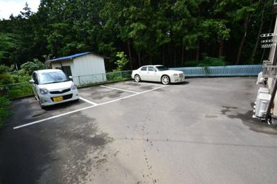 【駐車場】ウッドハイツ