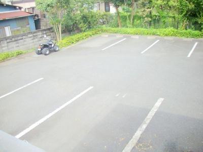 敷地内駐車場(別室イメージ)