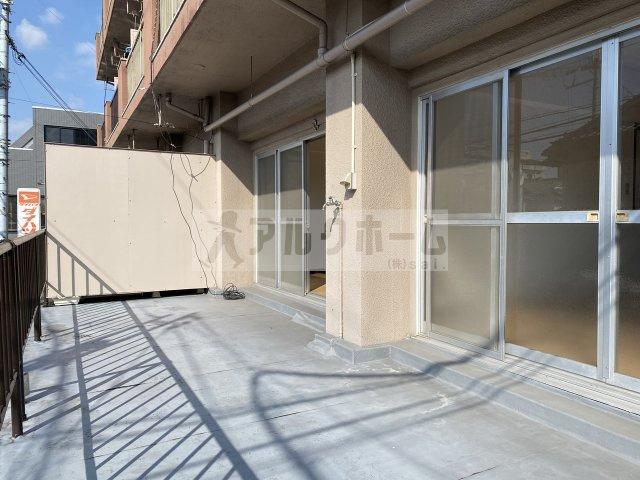 東部マンション 洋室
