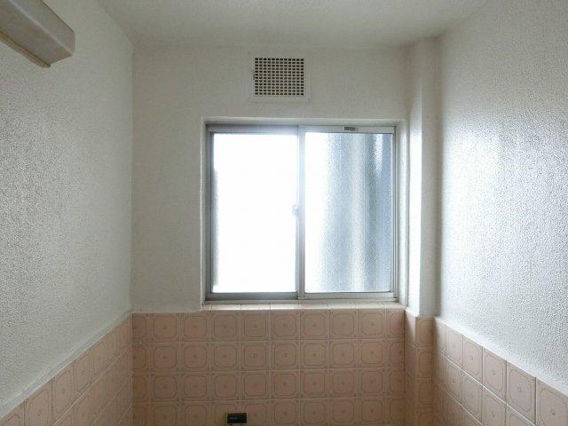 ハイツヤガミ 風呂 小窓