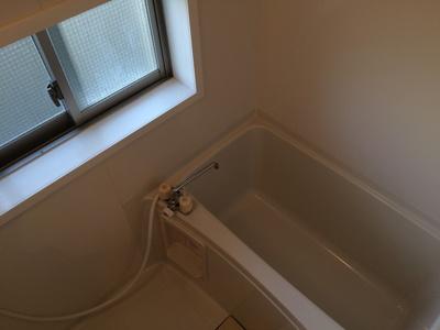 浴室に窓があって湿気がたまりにくいです