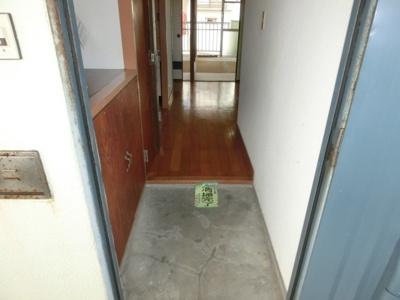 【玄関】あだにやマンション