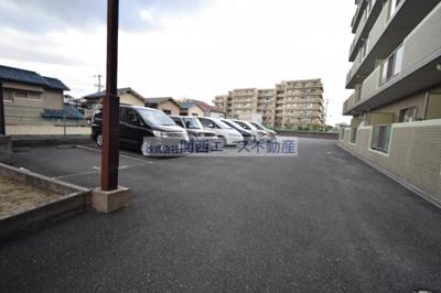 【駐車場】ヴェルデュール石切