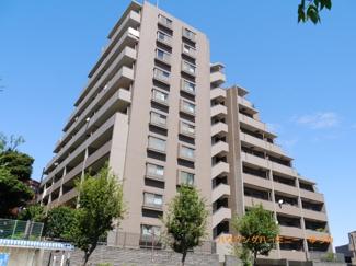 閑静な住宅街「小竹向原」駅に建つ、ルーフバルコニーも付いた角部屋リノベーション物件です。