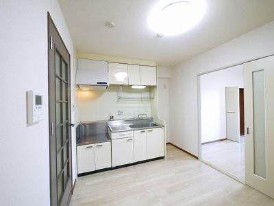 ゆったりとしたキッチンスペース