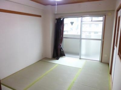 【居間・リビング】ルミエールマツダ
