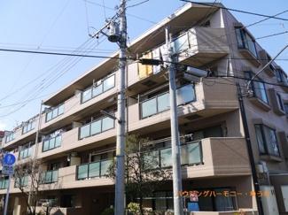 住環境豊かな「中板橋」に建つ平成10年築の南向きのマンションです。