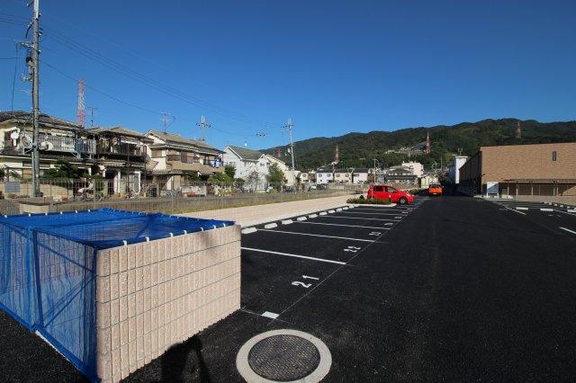 【駐車場】レオネクスト紅 月極駐車場