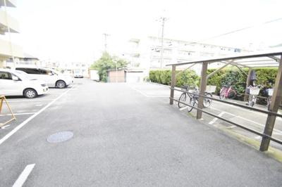 【駐車場】塔の本ハイツ