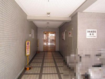 【エントランス】ロイヤルプラザ御幸町