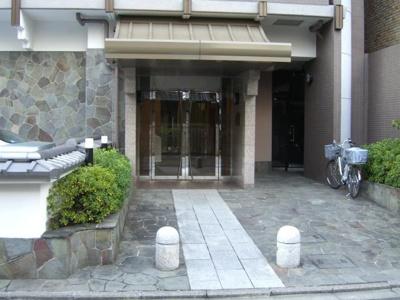【エントランス】コスモ三条麩屋町