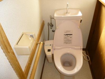 トイレは1階・2階にそれぞれあります