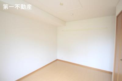 【洋室】ブライト・ヴィラ