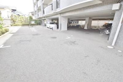 【駐車場】グランプラース