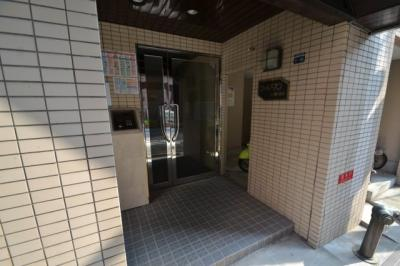 【エントランス】シャルマンフジ灘二番館
