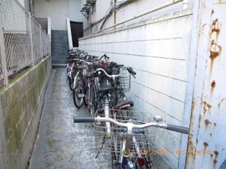敷地内に、駐車場もあります。