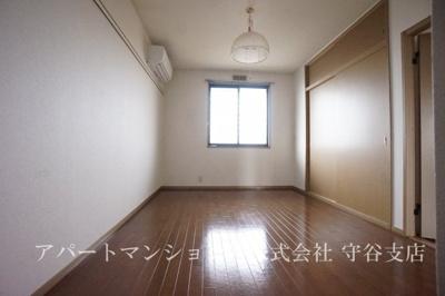【居間・リビング】グリーンフィールドA