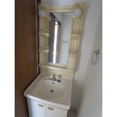 メイプル稲毛の洗面台