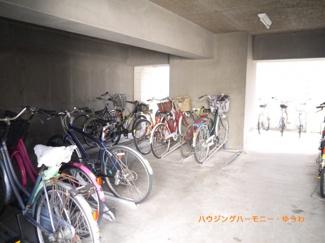 建物内に、便利な駐輪場有ります。
