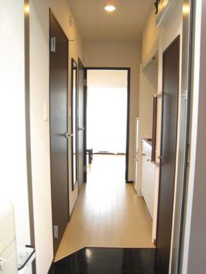 浴室乾燥機つきで雨の日にこちらで洗濯ものが干せます。