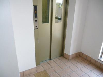 CQレジデンス玉川学園のエレベーター