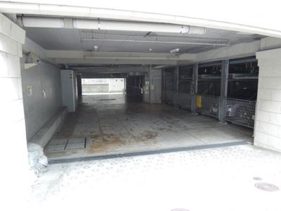 無料の敷地内駐車場が1台付いてます!