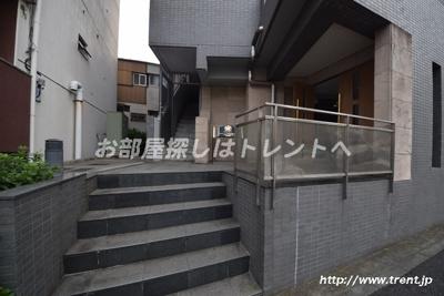 【エントランス】サンテミリオン早稲田駅前弐番館