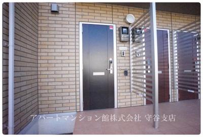 【玄関】ラヴィラントさしまA