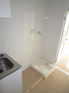 洗濯機置き場と冷蔵庫置き場