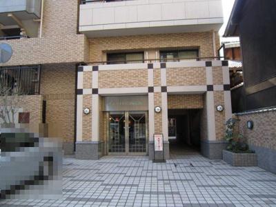 【エントランス】ルイシャトレ六角高倉