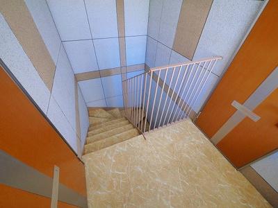 共用の階段廊下です