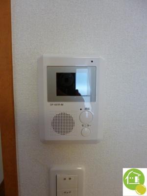 TVモニター付インターホン※別のお部屋の写真です。