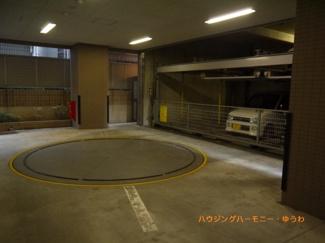 建物内に、駐車場を完備。